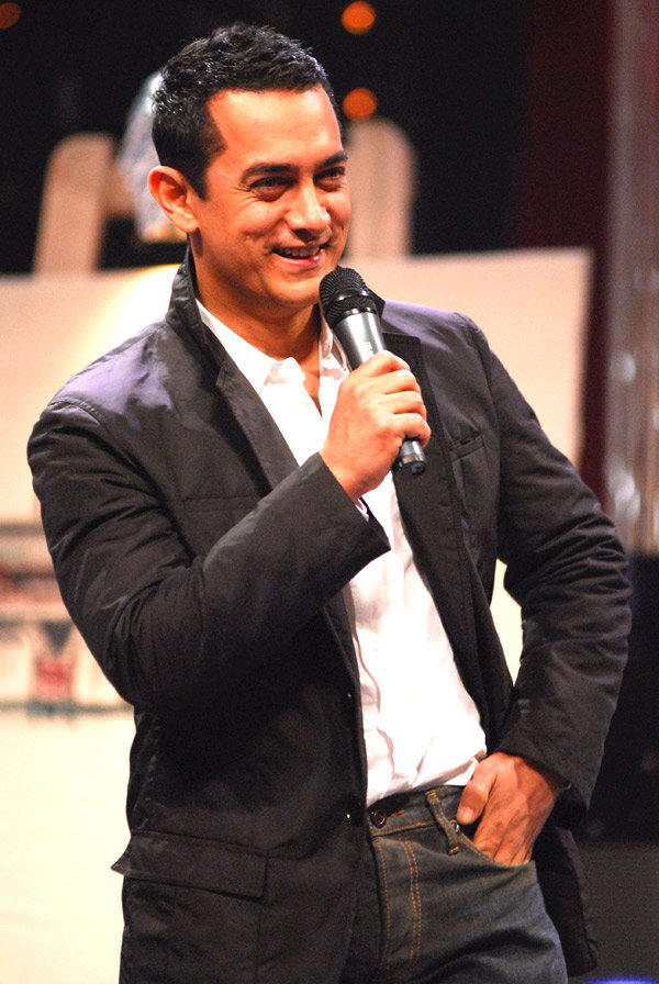 Aamir khan with open smile