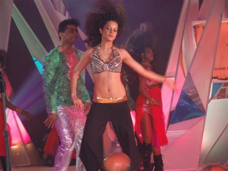 Sexy Kangana Ranaut dance