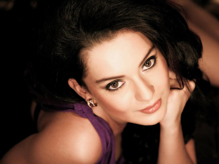 Kangana Ranaut glazing eyes look