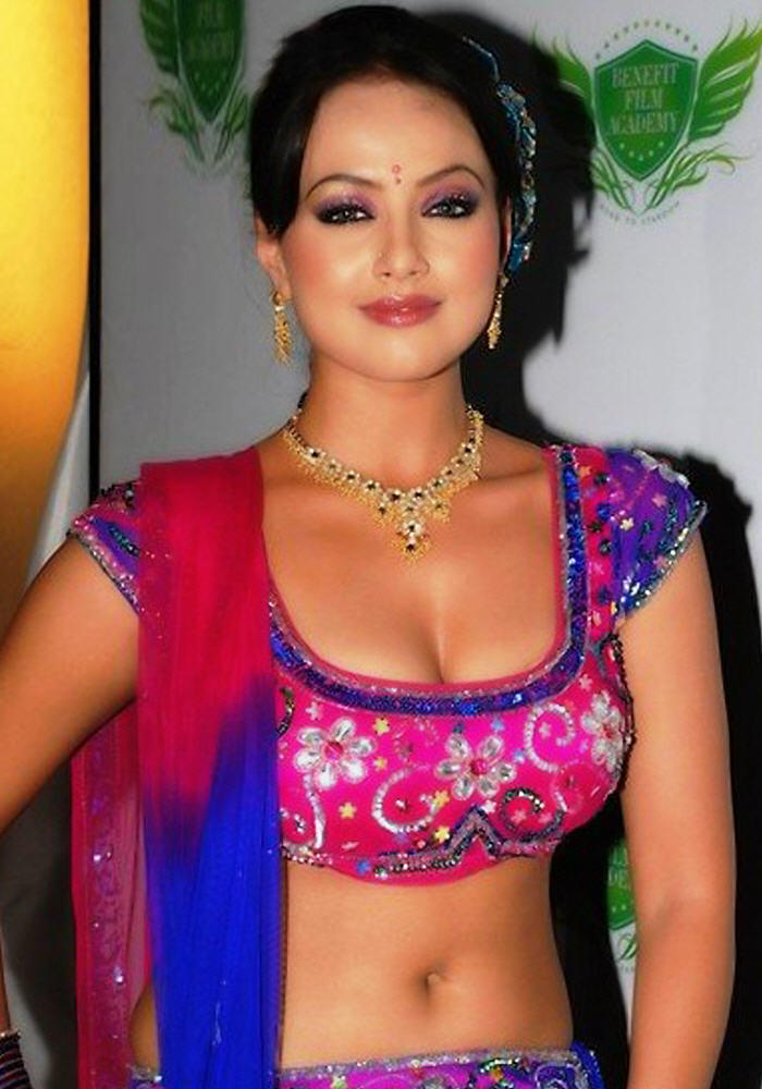 Sana Khan Hot Navel pics