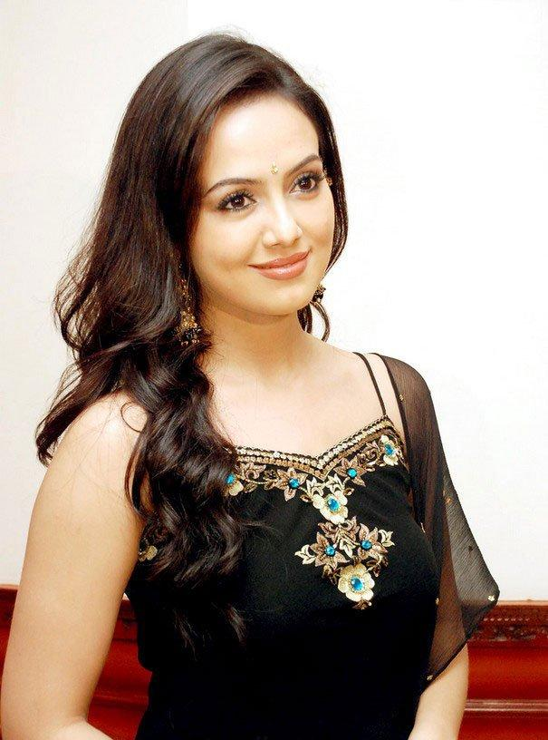 Sana Khan latest hot pic