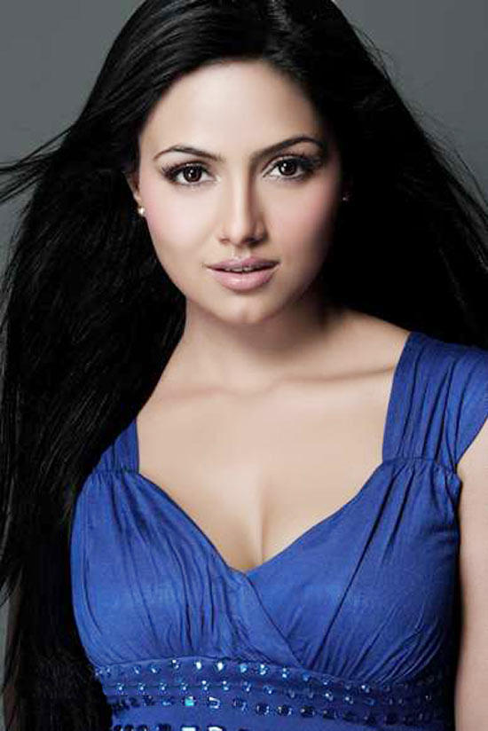 Sana Khan amazing look wallpaper