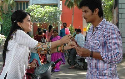 Jeeva and shriya stills in Rowthiram