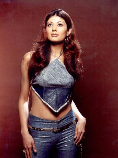 Pooja Batra sexy dress pics