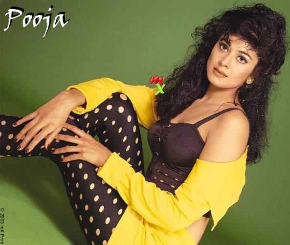 Pooja Batra spicy body images