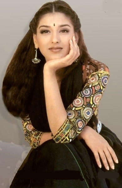 Sonali Bendre simple look