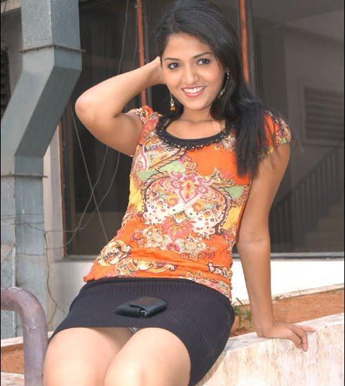 Thiruthani sunaina sexy figure stills