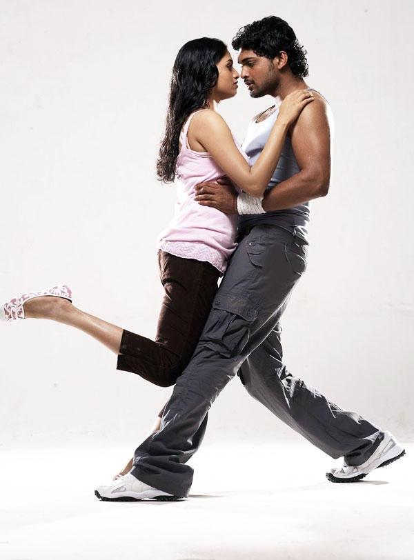 Kathirvel tamil movie ajmal ameer and sunaina romance stills