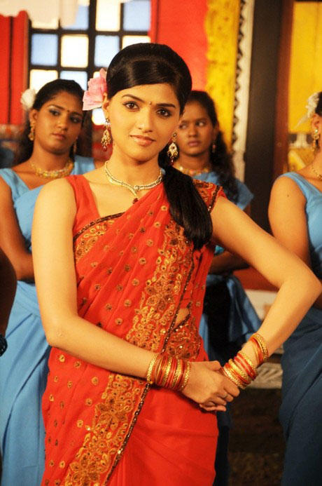 Sunaina hot pictures with red color saree