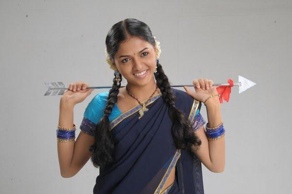 Thiruthani sunaina super figure stills