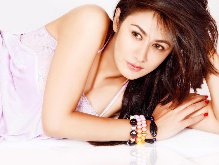 Anjali Pandey hottest wallpaper