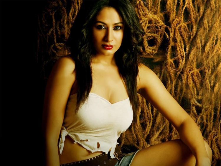 Anjali Pandey looking gorgeous