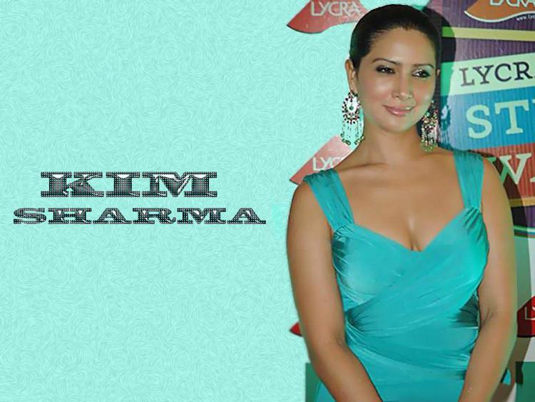 Kim Sharma cute hot look