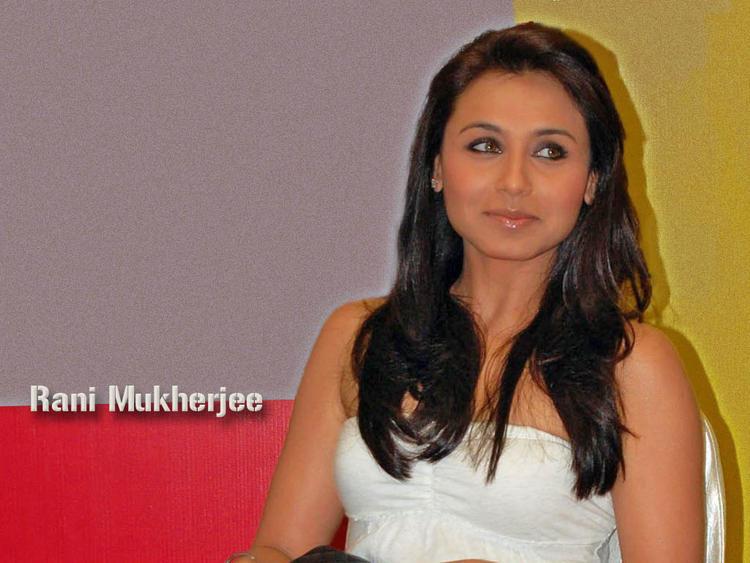 Rani Mukherjee with sexy smile