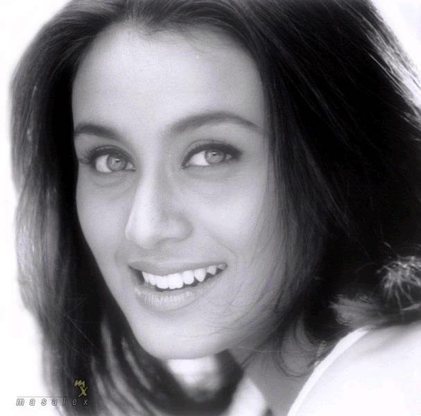 Rani Mukherjee sexy smile pics