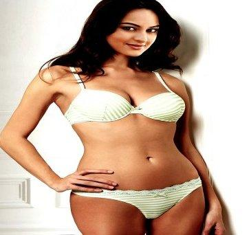 Sonakshi Sinha fake bikini pic