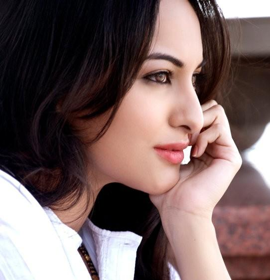 Sonakshi Sinha beautiful look