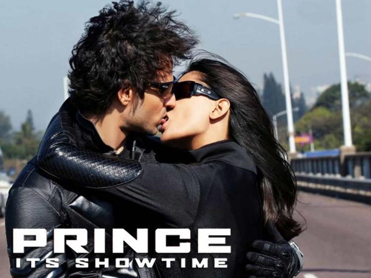 Prince vivek oberoi lip kiss wallpaper
