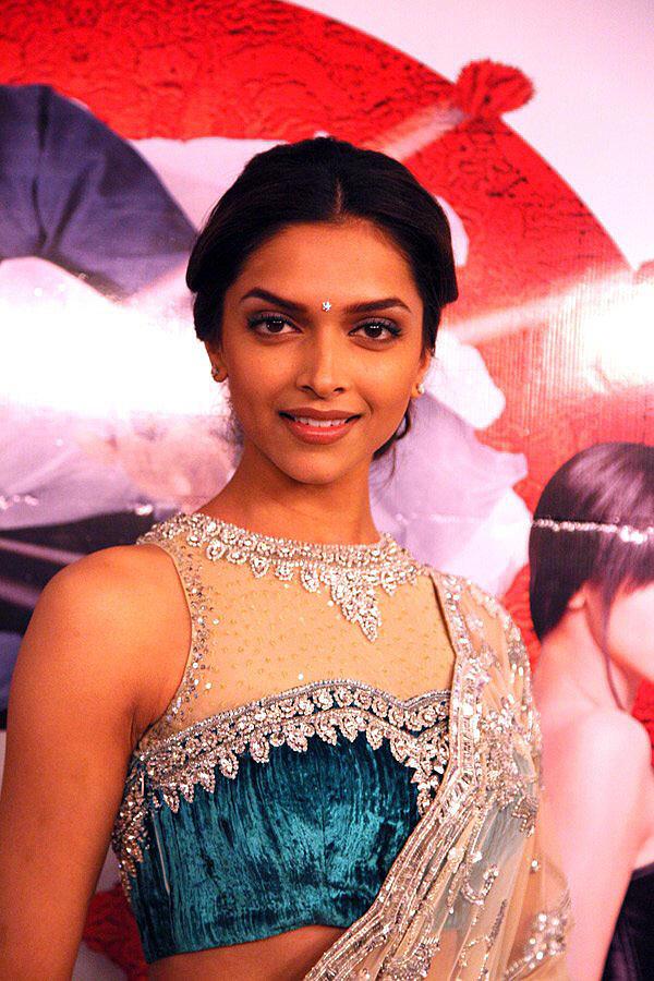 Deepika Padukone looking beautiful
