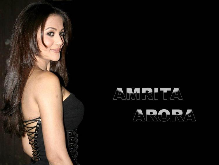 Amrita Arora gorgeous wallpaper