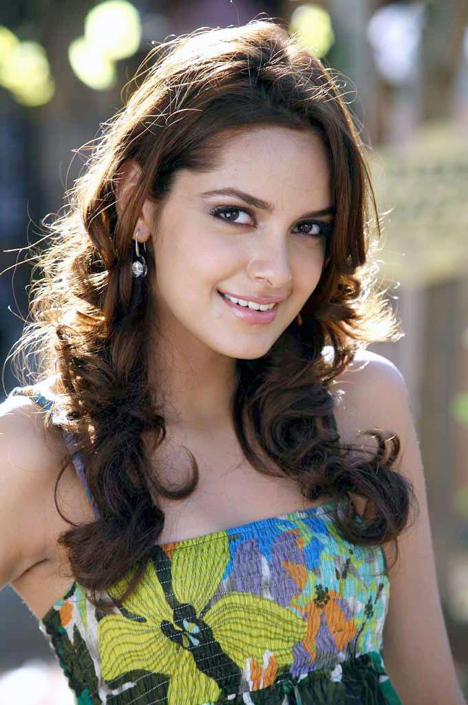 Shazahn Padamsee sizzling hot sexy look