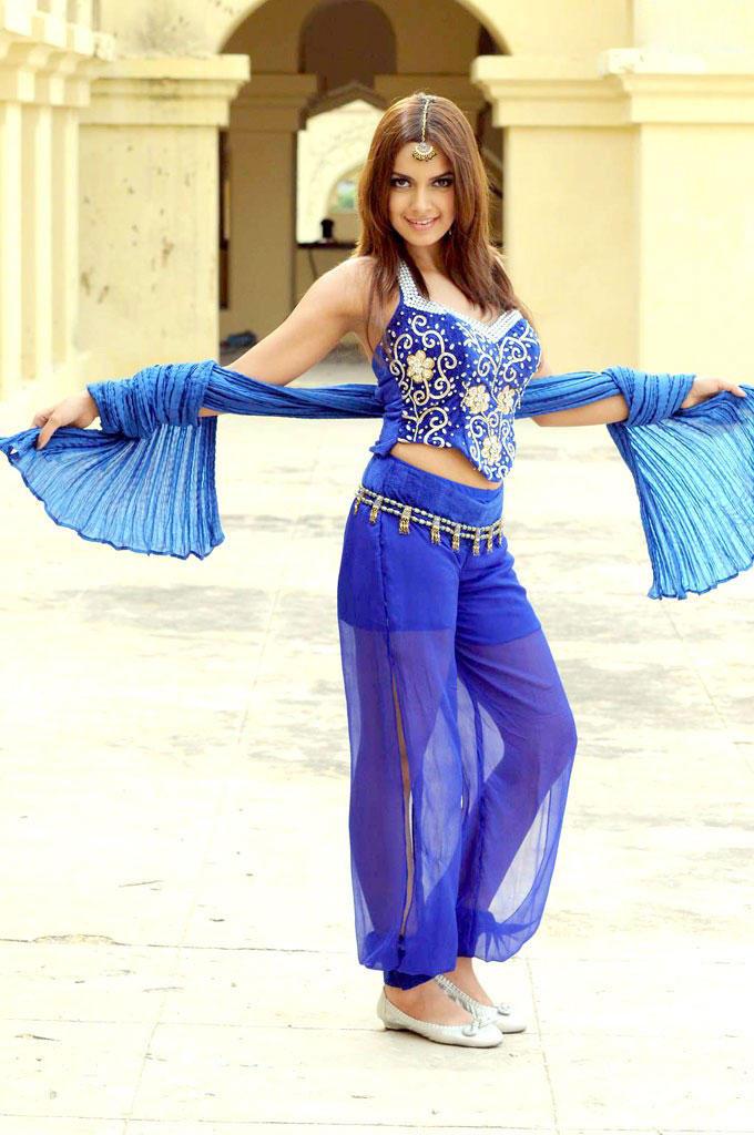 Shazahn Padamsee beautiful dress images