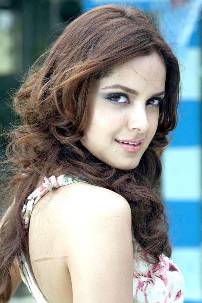 Shazahn Padamsee sexy pics
