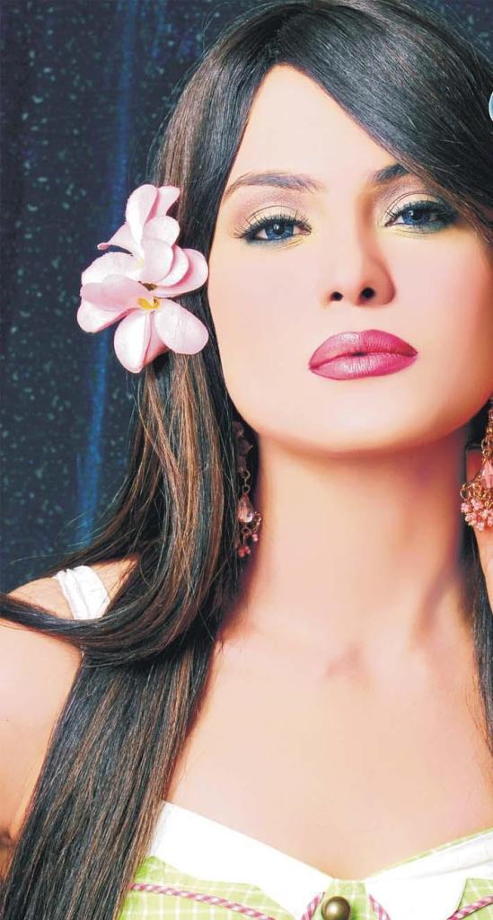 Hot Veena Malik