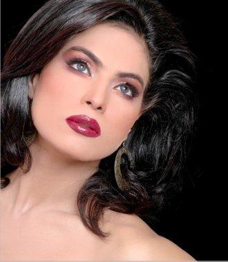 Cute Veena Malik