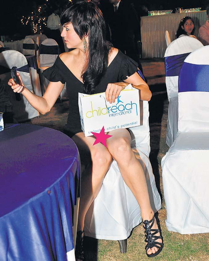 Yana Gupta do this for public attention