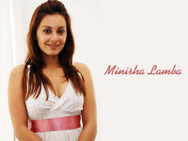 Minissha Lamba with sweet smile