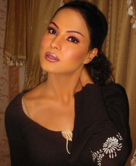 Cool Veena Malik