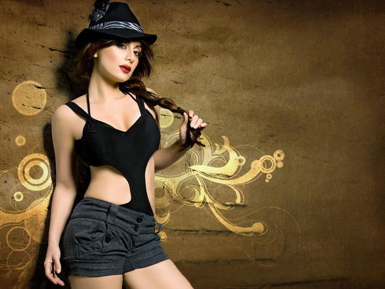 Minissha Lamba sexiest wallpaper