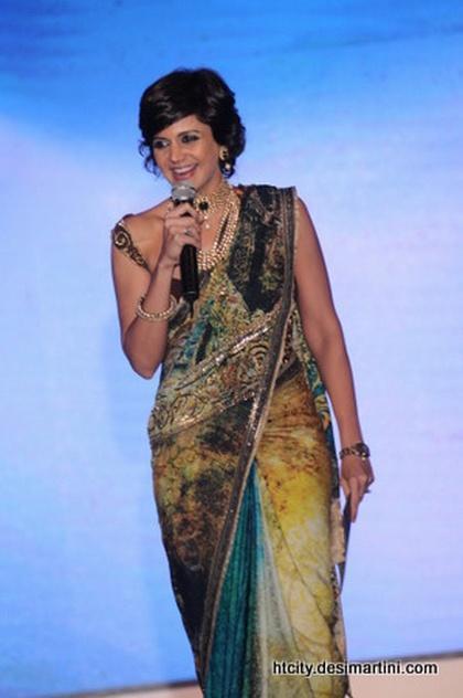 Mandira Bedi look hot in sexy saree
