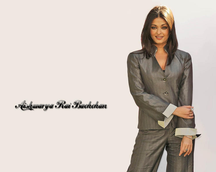 Glorious Aishwarya Rai Bachchan wallpaper
