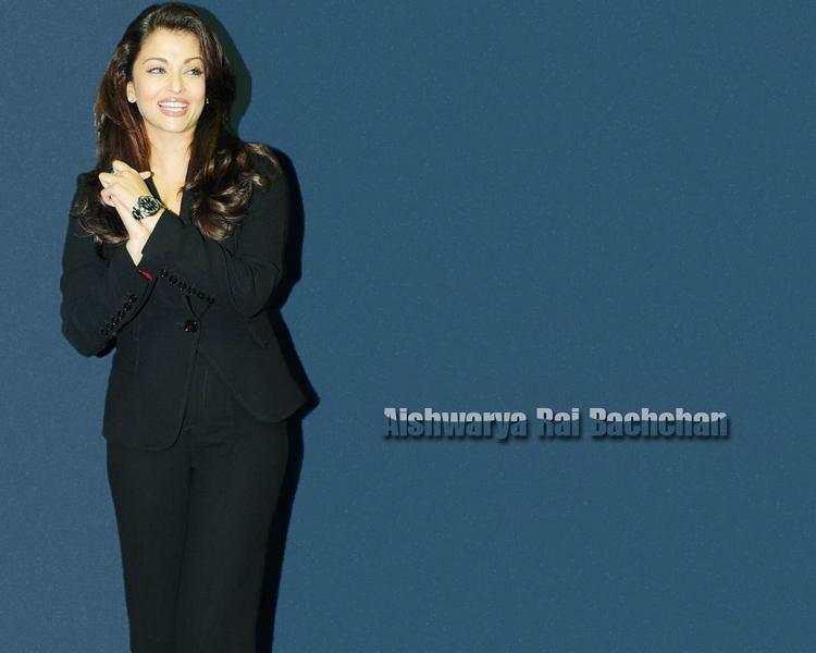 Aishwarya Rai Bachchan with open smile wallpaper