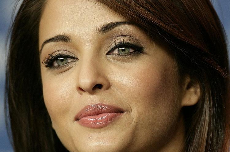 Aishwarya Rai Bachchan Glazing eyes look