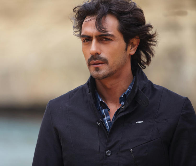 Heroine movie wallpaper Arjun Rampal pic