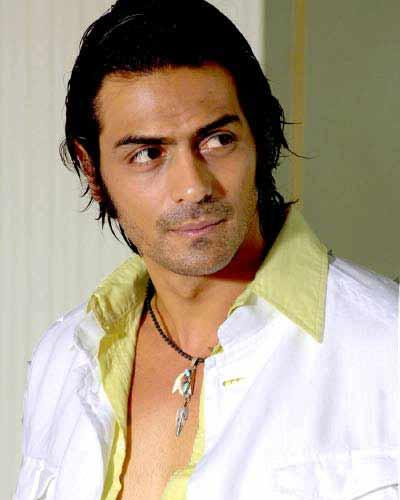 Arjun Rampal cute look wallpaper