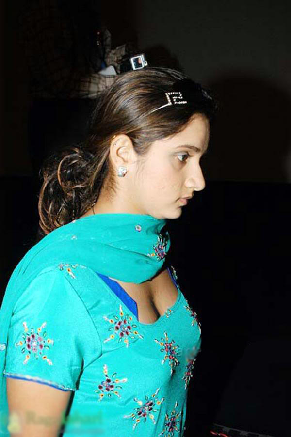 Press meet sania mirza sexy stills