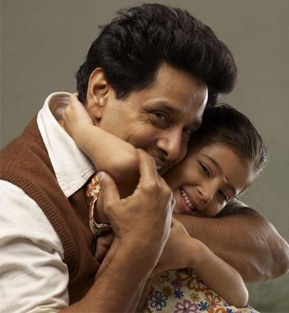 Deiva Thirumagal movie vikram sara cute stills