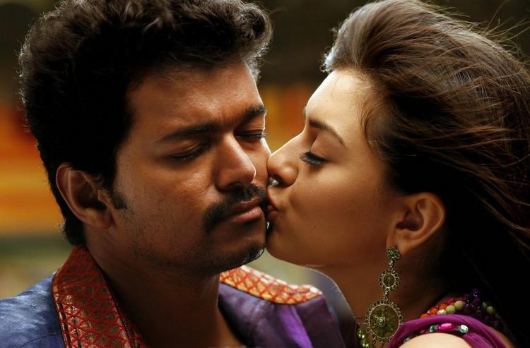 velayutham vijay hansika motwani kiss stills