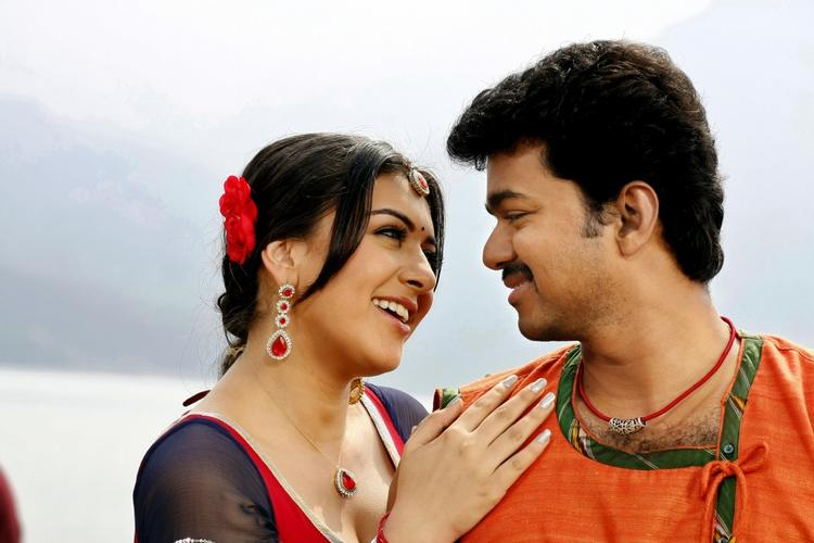 Velayutham stills of Vijay and hansika romance