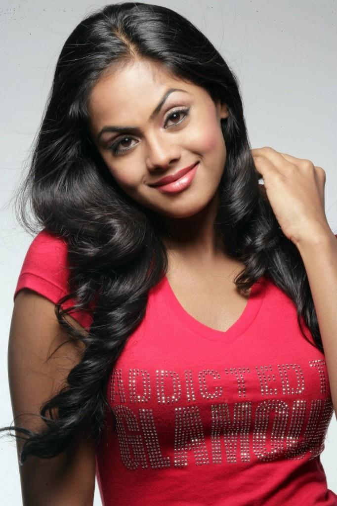 karthika Nair latest hot in red color dress