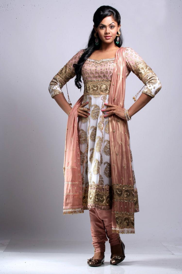 karthika Nair cute photos in salwar suit