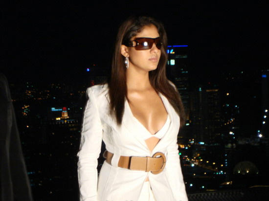 Nayanthara in white color dress looking sexy