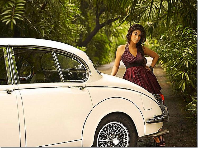 Nayantara beauty hot stills