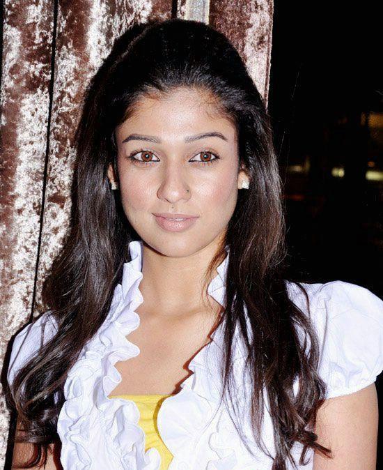 Nayanthara sexy smile pics