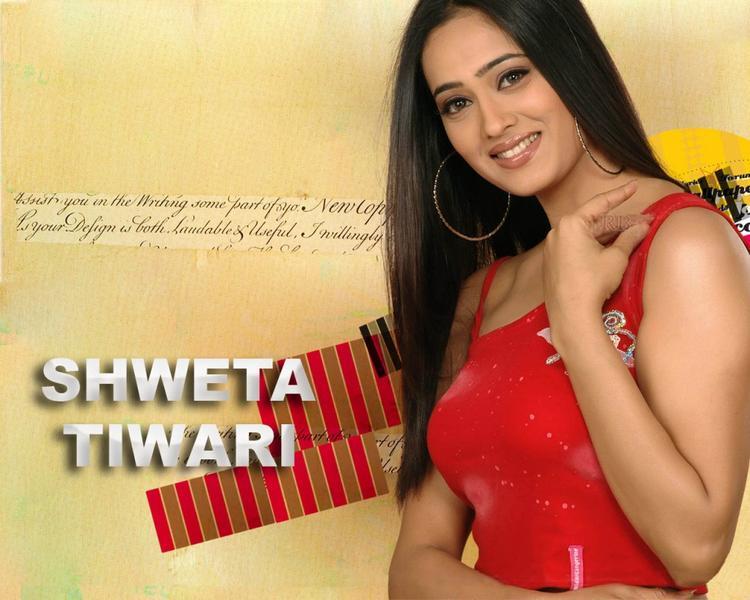 Shweta Tiwari in red hot pics