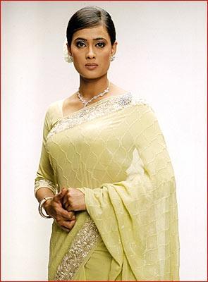 Shweta Tiwari hot in saree wallpaper